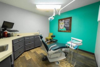 bellmead smiles dentist's chair and office